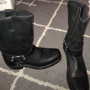 Men's Dingo motorcycle boots. Never worn